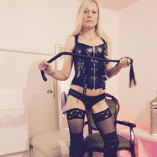 Domination,humiliatrix,financial domination,toys,submissive,rebellious,foot fetish,heels,dress up,love to have slaves do as i say and cuckolds your welcome
